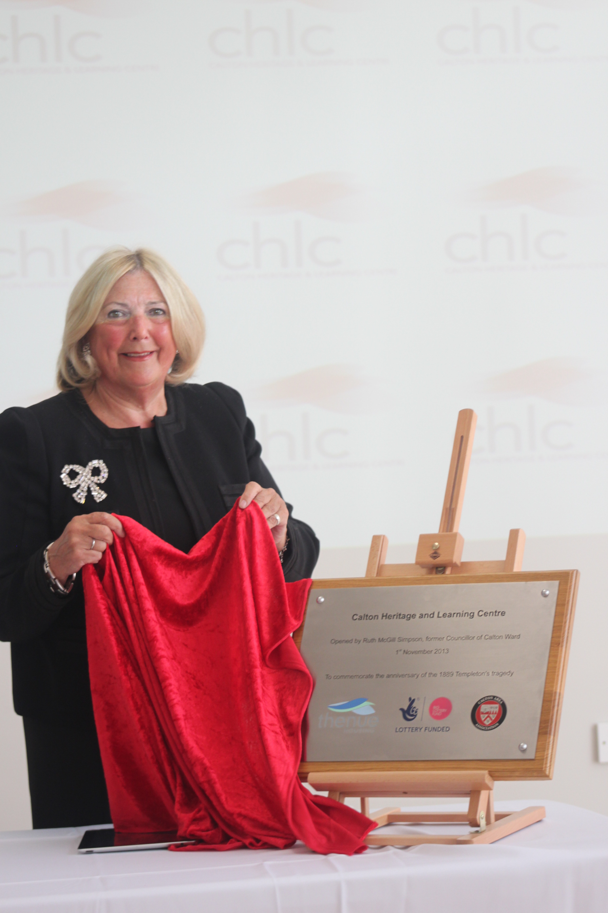 - Ruth Simpson unveils plaque